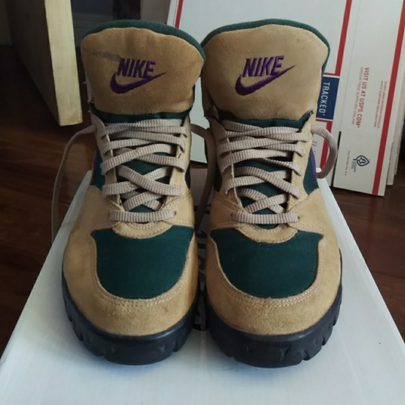 Nike vintage hiking boots